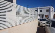 גדרות אלומיניום לגינה דגם צף 18 בצבע לבן