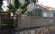 גדר לחצר של בית פרטי בעיצוב דגם שניר ורז 1