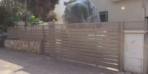 שערים לבית פרטי מאלומיניום מעוצב - דגם שניר ורז 16