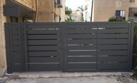 שער חשמלי לחניה פרטית של בית – דגם שניר 17