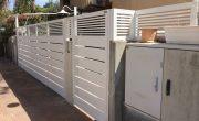 עיצוב שער כניסה לבית פרטי מאלומיניום בצבע לבן – דגם שניר ורז 10